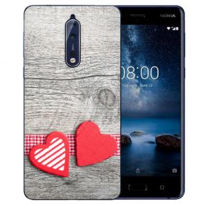 Nokia 8 TPU Hülle mit Fotodruck Herzen auf Holz Etui