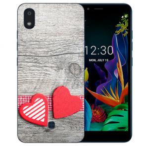 individuelle Schutzhülle mit Foto Bild Herzen auf Holz für LG K20 (2019)